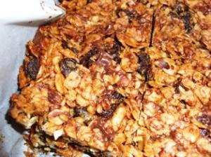 Homemade Granola Bars (Close Up)
